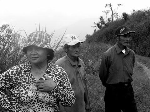 桃源鄉寶山村遷村地點探勘1014-居民滿意,專家覺得不安全
