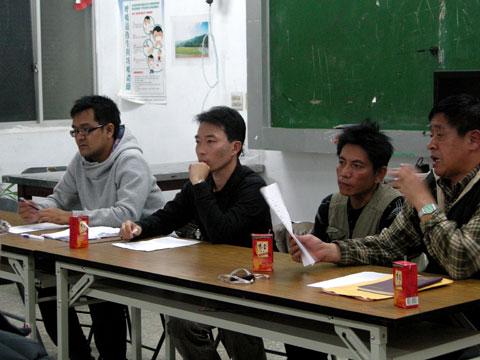 返鄉後,民權村的小孩在那裡上學?