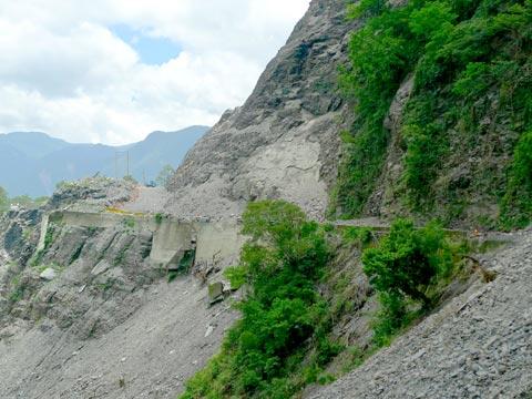 阿禮部落:遷居族人適應新環境,留在山上的族人等待新生活