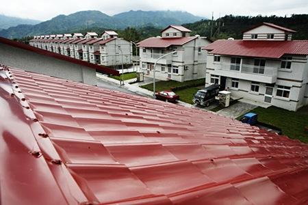 日安社區永久屋屋頂可放置水塔,或可避免高雄大愛村初期容易停水的命運
