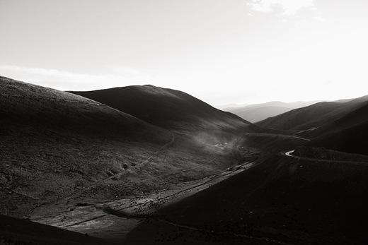 03 玉樹平均海拔約4,200公尺,大部分都是游牧地帶。地勢高峻偏僻,是拖慢玉樹重建步驟的天生障礙