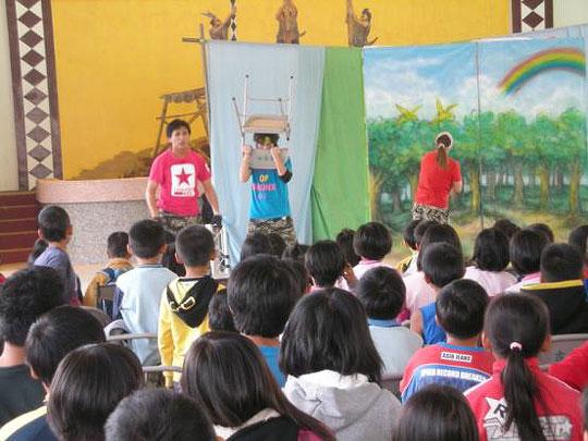 「紙風車」戲劇宣導防避災 災區學童朗朗上口