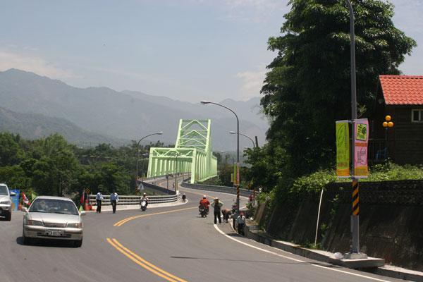 新發大橋正式通車,美濃至寶來交通大致復原