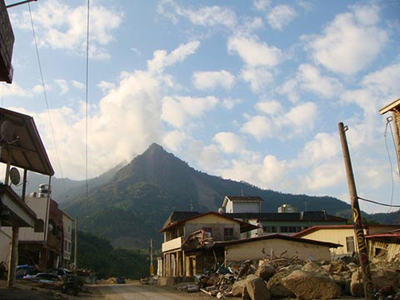南沙魯山景