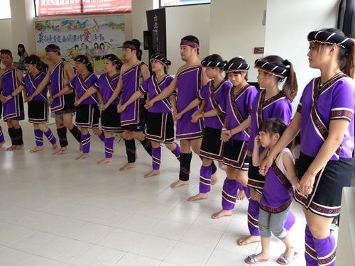 小林青年組成大滿舞團,要傳承平埔文化。