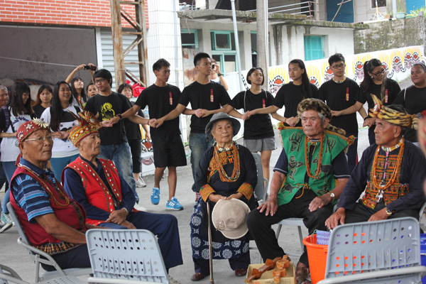 入住永久屋後的首次祭典─來義村收穫祭與青年會的起點